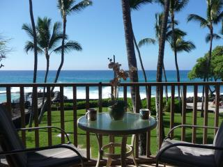 Kona Isle Updated Direct Oceanfront Unit - Kailua-Kona vacation rentals