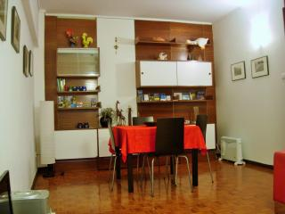 Perfect Condo with Internet Access and Elevator Access - Porto vacation rentals
