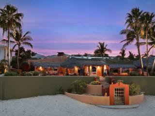 Beach Front Hacienda. New Infinity pool! - Los Barriles vacation rentals
