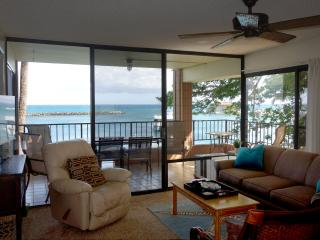 Direct Ocean Front - Spacious corner lanai - Maalaea vacation rentals