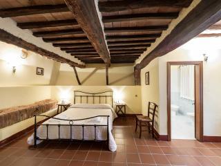 AnticoBorgoPoggiarello Quattro - Monteriggioni vacation rentals