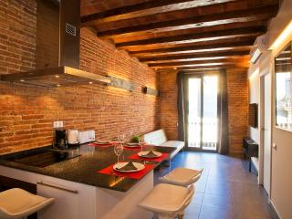 Art Gallery Apartment 2B - Barcelona vacation rentals