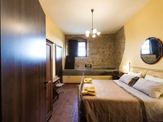 Hilltop Retreat for Couples, a Rural Romance - San Gimignano vacation rentals