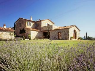 Charming 7 bedroom Villa in Lisciano Niccone with Dishwasher - Lisciano Niccone vacation rentals