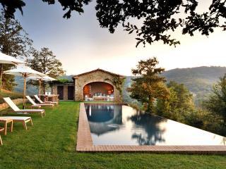 Bright 4 bedroom Lisciano Niccone Villa with Internet Access - Lisciano Niccone vacation rentals