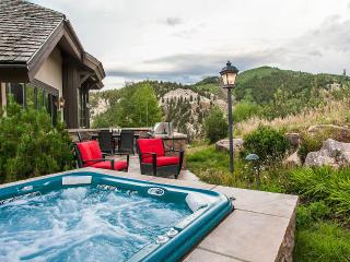 Gorgeous Villa with Internet Access and Dishwasher - Beaver Creek vacation rentals