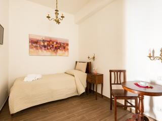 Room Viminale (Casa in Monti Rome) - Rome vacation rentals