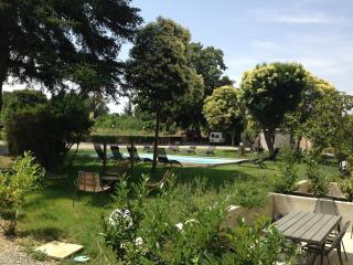 MAISON  DE VACANCES POUR 9 PERSONNES AVEC PISCINE - Carcassonne vacation rentals