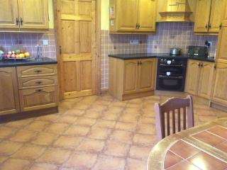 Beautiful Townhouse with Garage and Parking - Cahersiveen vacation rentals