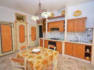 Casa Vacanaze Sole con WiFi FREE - San Vito lo Capo vacation rentals