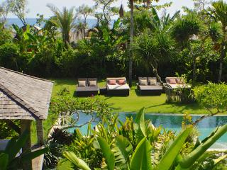 Beachfront Villa, 7/11BR between Seminyak - Canggu - Canggu vacation rentals