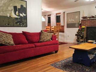 Family Fun 4 BR, Sleeps 12 2 off Bay, EZ to Beach - Surf City vacation rentals