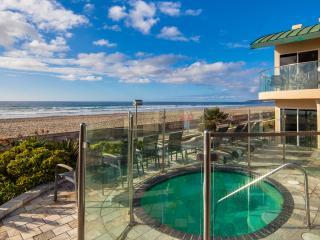 """Surfrider"" Beachfront Condo with Hot Tub - San Diego vacation rentals"
