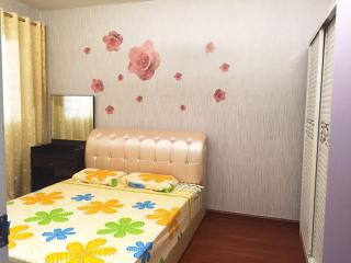 Comfortable HomeStay @ Bukit Batok - Singapore vacation rentals