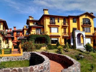 Lovely Tuscany Penthouse with Stunning Views - Cotacachi Imbabura vacation rentals