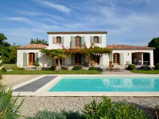 Luxury Provencal villa, 15x5m heated pool - Crillon-le-Brave vacation rentals