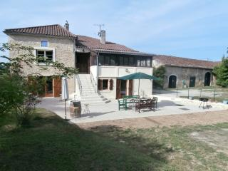 Havre Aluta Holiday Apartment - Duravel vacation rentals