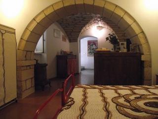 la casa del frantoio: loft. amici dei ciclisti - Cuglieri vacation rentals