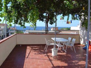 Casa vacanze 6-8pax 200m dal mare, Melito Calabria - Melito di Porto Salvo vacation rentals