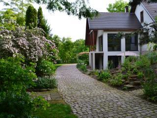 Cozy 1 bedroom Gite in Plobsheim with Internet Access - Plobsheim vacation rentals