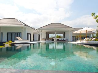 Villa Mathan - Bali - New modern beach villa - Lovina vacation rentals