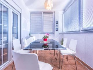 Apartment Frane,Medulin,sandy and rocky beach - Medulin vacation rentals