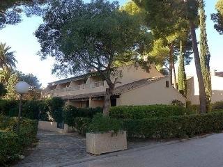 Nice 1 bedroom Les Lecques Apartment with Short Breaks Allowed - Les Lecques vacation rentals