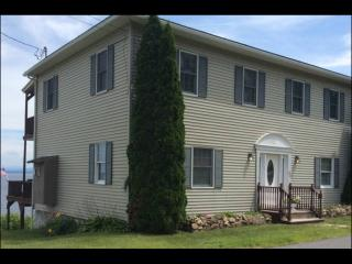 Beautiful House with Internet Access and Parking - Port Kent vacation rentals