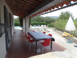 Villa renovée aux Pins Parasols - Piscine - Roquebrune-sur-Argens vacation rentals