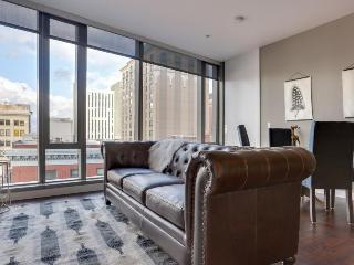 Elegant, dog-friendly downtown condo with wrap-around views! - Portland vacation rentals