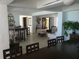 a beatifull beach house in front of the sea - Progreso vacation rentals