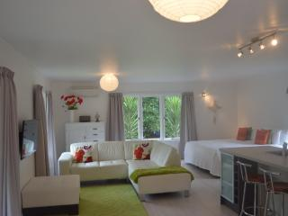 La Frontiere Boutique Accommodation - Gisborne vacation rentals