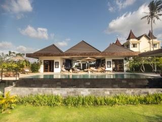 Villa Sunset View - Luxury in Tranquil Canggu - Canggu vacation rentals