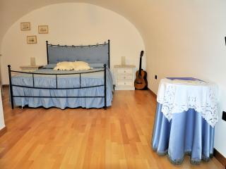 Bright Bitonto Studio rental with Television - Bitonto vacation rentals