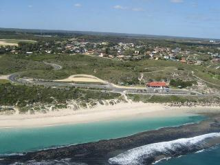 3 bedroom House with A/C in Quinns Rocks - Quinns Rocks vacation rentals