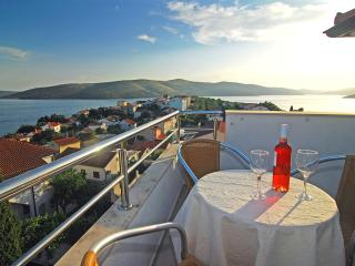 1 bedroom Condo with Internet Access in Seget Vranjica - Seget Vranjica vacation rentals