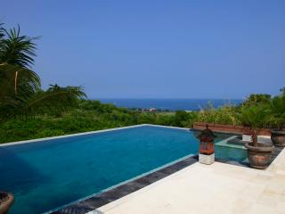Villa Oscar: new villa with magnificent beachview! - Temukus vacation rentals