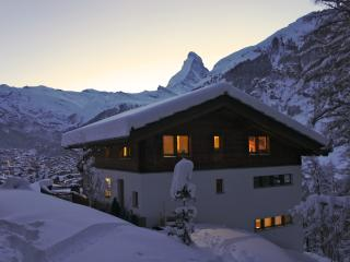 Sunny 4 bedroom Chalet in Zermatt - Zermatt vacation rentals