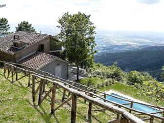 Villa Rosmarino-property with amazing views - Cortona vacation rentals