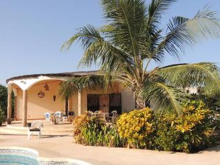 Beautiful and quiet huts+pool-Saly - Mbour vacation rentals