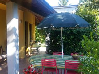 Nice Condo with Kettle and Stove - Appiano Gentile vacation rentals