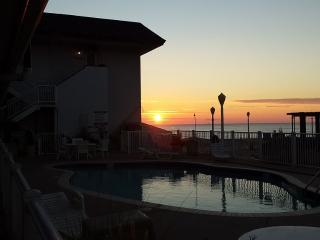 Pool Side Oceans 2 at 40th St Studio Efficiency !! - Virginia Beach vacation rentals