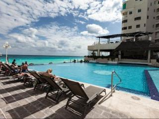 Sea View Studio in Cancun Plaza Condo - Cancun vacation rentals