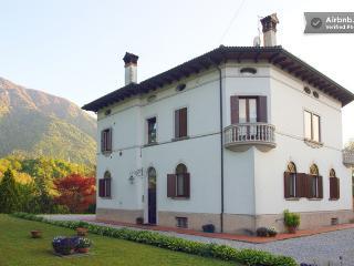 Feltre camera doppia in villa primi del Novecento - Feltre vacation rentals