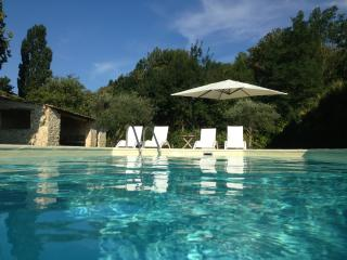 Authentique Drome Provencale Farm House - La Begude-de-Mazenc vacation rentals