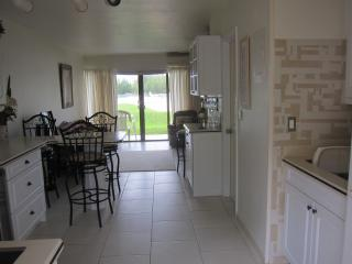 FABULOUSLY LOCATED STUDIO ON WATER - Freeport vacation rentals