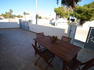 Low cost beach villa - Marina di Mancaversa vacation rentals