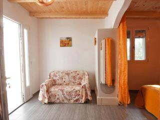 Nice 1 bedroom Marina di Mancaversa House with Television - Marina di Mancaversa vacation rentals