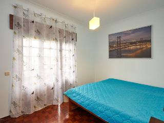 HYH Carcavelos Country - Room 4 Ocean Blue - Carcavelos vacation rentals