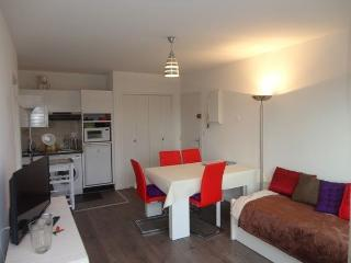 Saint-Malo Appartement 50 m plage, balcon - Saint-Malo vacation rentals